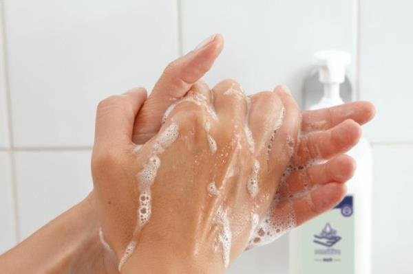 Handwashing procedure with soap